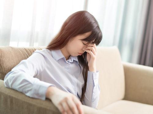 不眠、自律神経の乱れで困っている女性